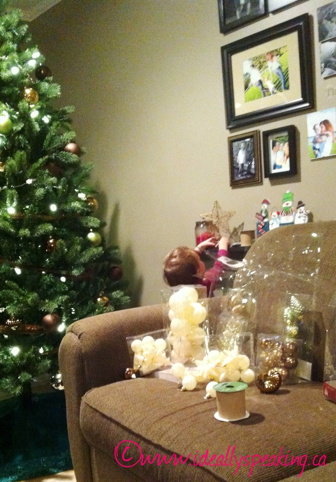 toddler, Christmas tree, family, parenting,