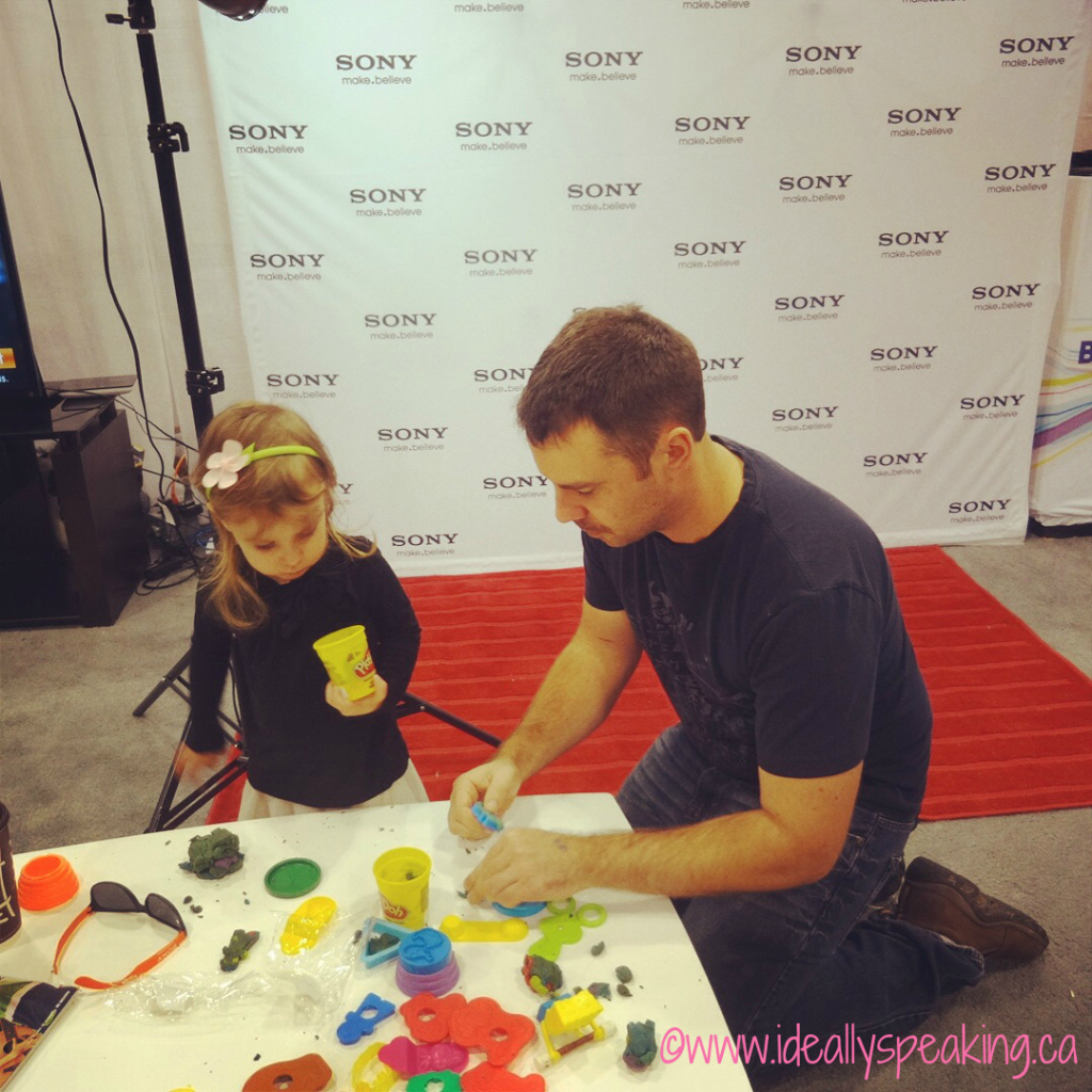Having fun at Sony Canada booth at BabyTime Show