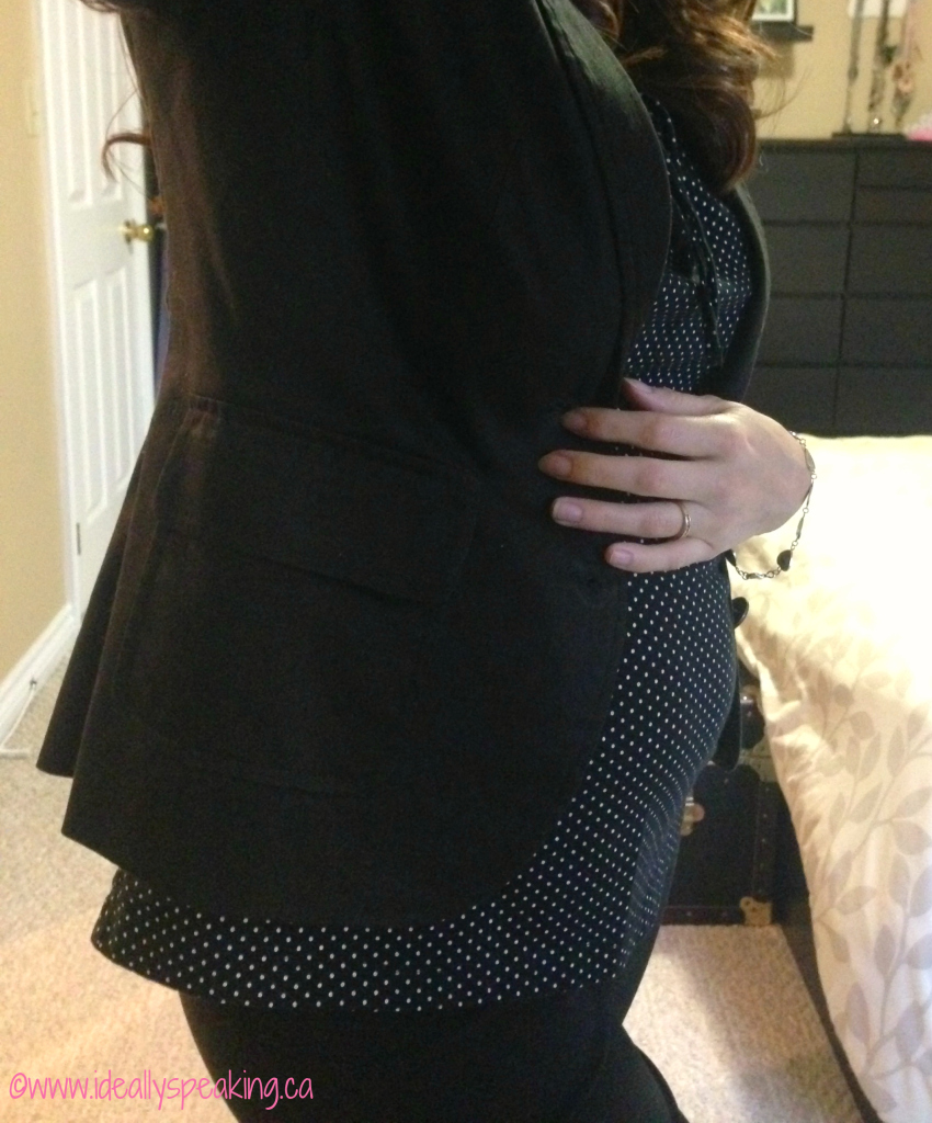 Cute maternity look for the office.