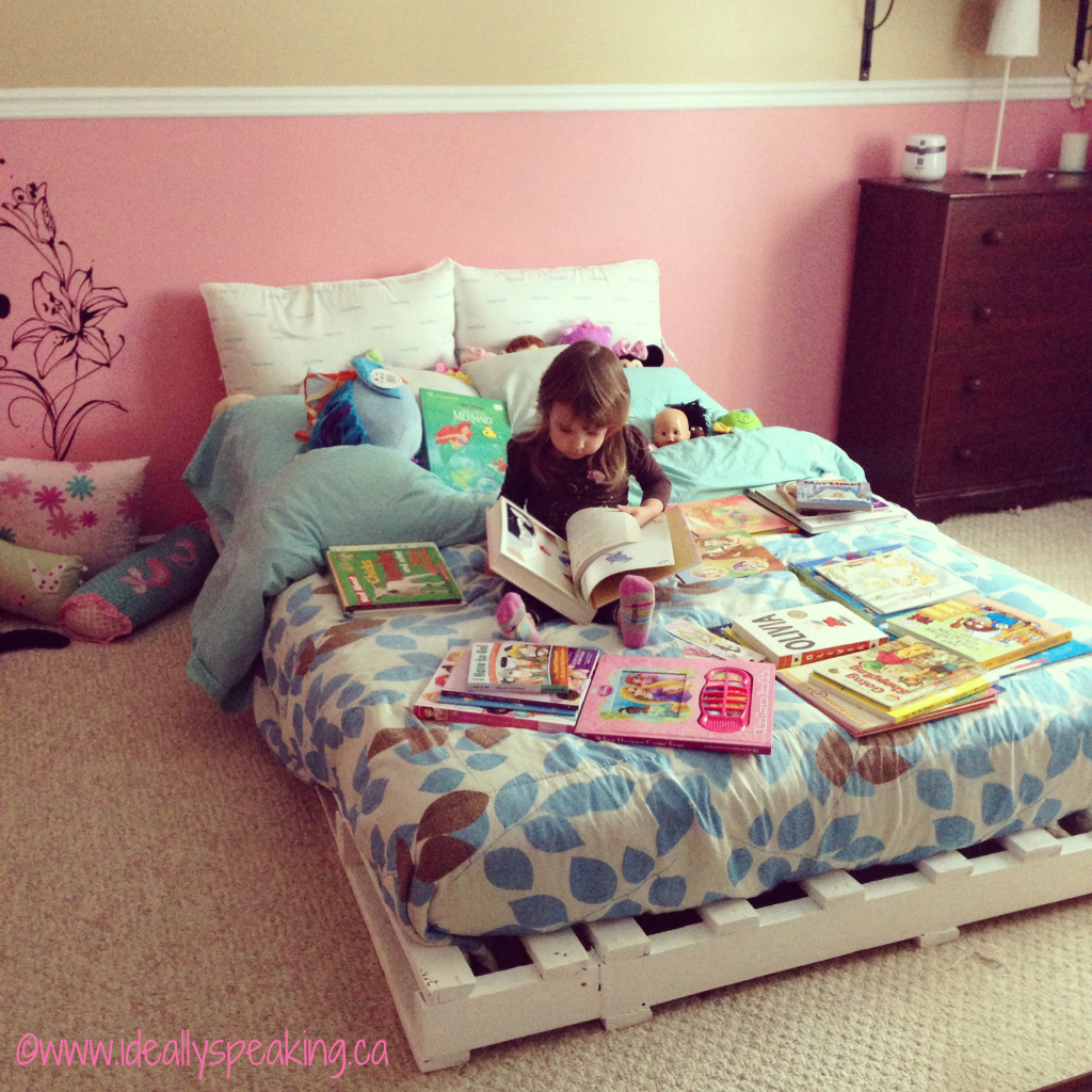 Preschooler-Loves-Books