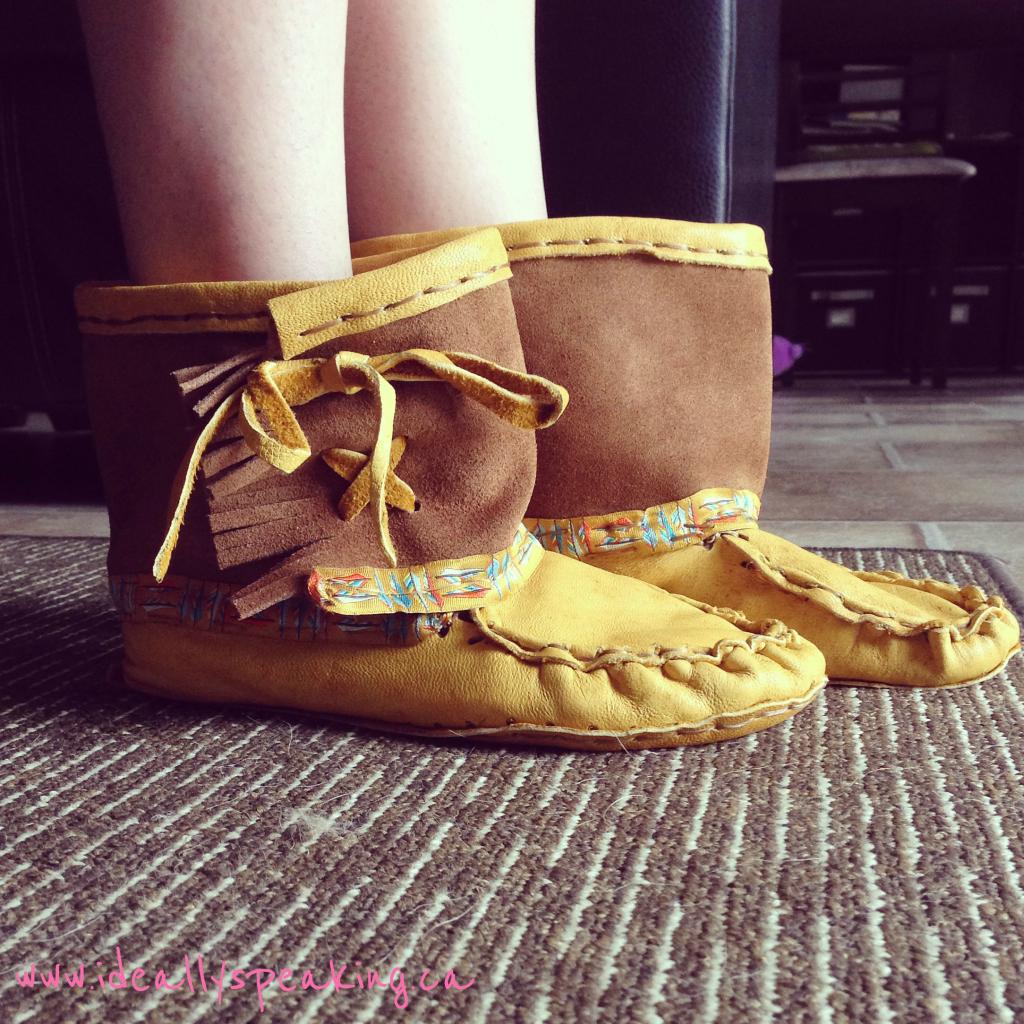 handmade moccains, moccain boots,