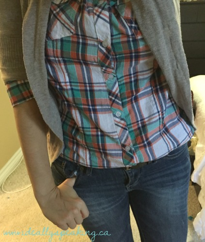 Cute plaid shirt, cardigan & skinny jeans.